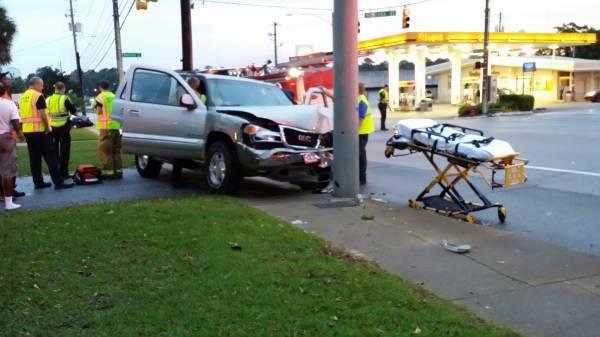 Car vs Pole on West Main