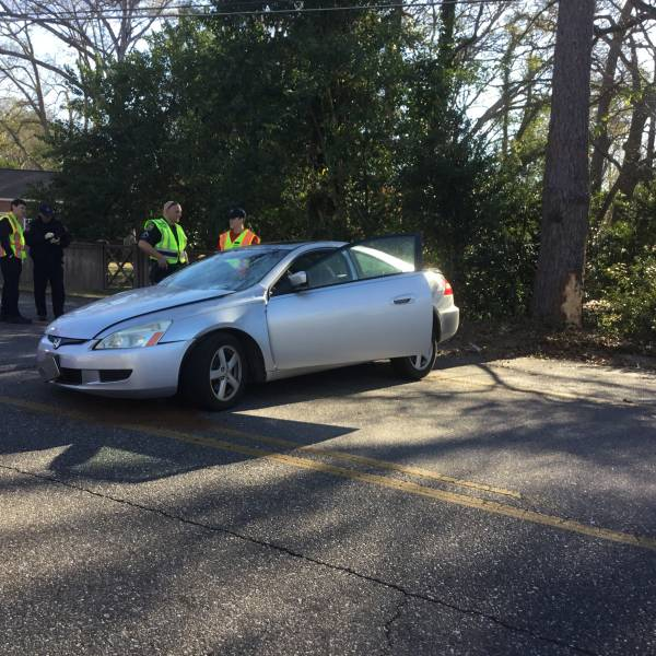 9 09 am motor vehicle accident on woodland drive near for Woodland motors used cars