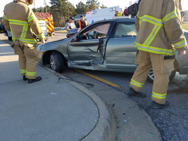 3 50 Pm Motor Vehicle Accident In The 2200 Block Of East