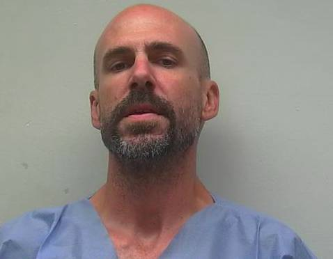 Man accused of trying to kill cop escapes north Alabama jail
