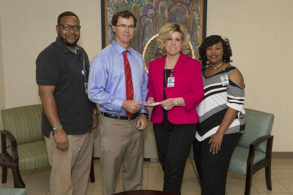 Navigation program receives donation