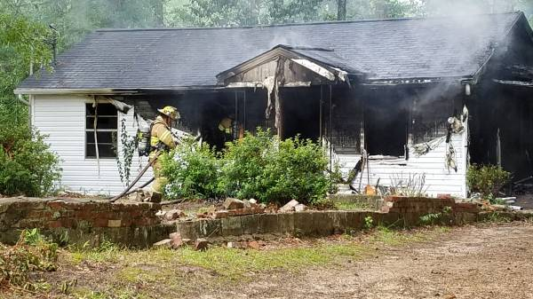 Updated at 3:05 PM.   Dothan Structure Fire Headland Avenue