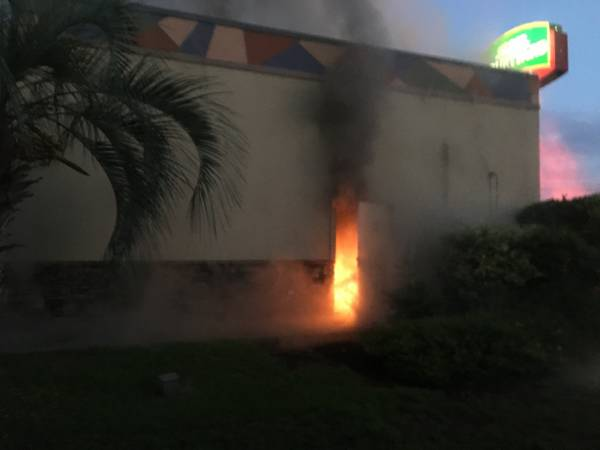 06:24 AM.   Taco Bell Structure Fire - Arson Suspected