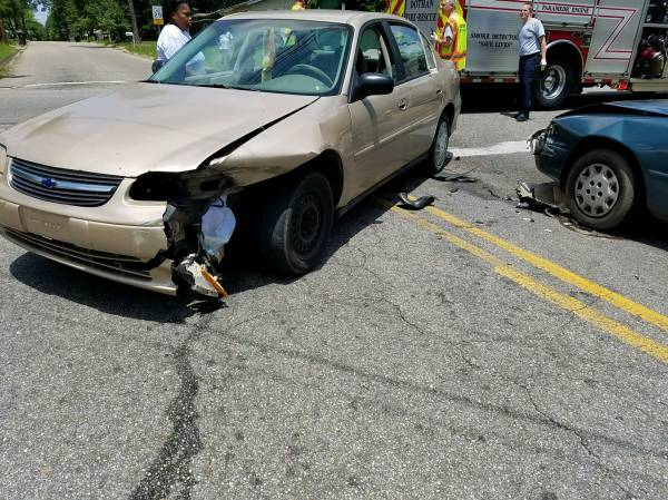 11:40 AM Minor Motor Vehicle Accident at Headland Ave and Spring Street