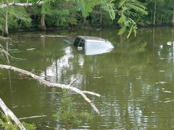 UPDATED @ 8:24 AM.  7:45 AM.  Critical Injury Wreck - Vehicle Sinking In Pond