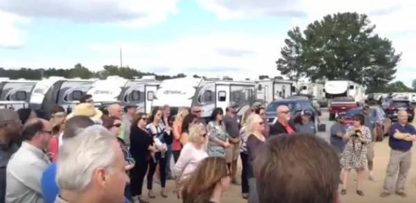 Bama RV Holds Ground Breaking Ceremony for New Facility