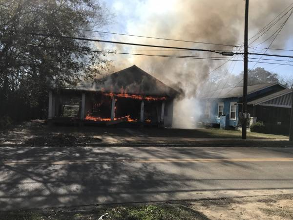 11:13 AM.   Chickasaw Street Structure Fire