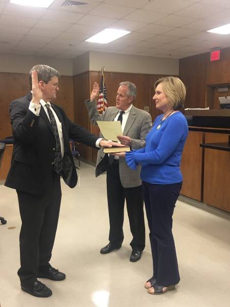 Todd Derrick Takes Oath Of Office As New Circuit Judge For Houston and Henry County