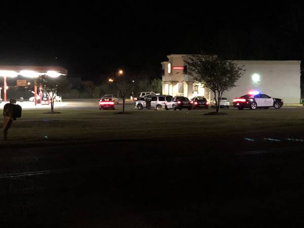 UPDATED @ 11:40 PM.   10:56 PM... Armed Robbery Just Occured at the Kangaroo at Kinsey Road and the CIrcle