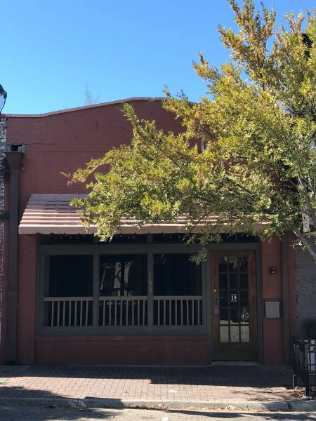 COMMERCIAL PROPERTY FOR SALE- 168 S FOSTER