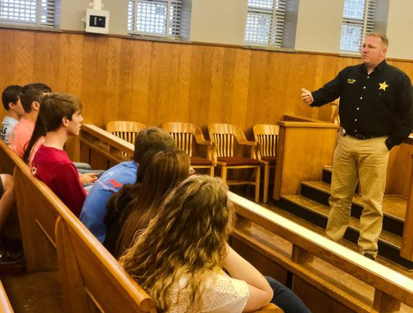 HOLMES COUNTY SHERIFF OFFICE HELPS TEACH STUDENTS ABOUT CRIME AND CONSEQUENCES
