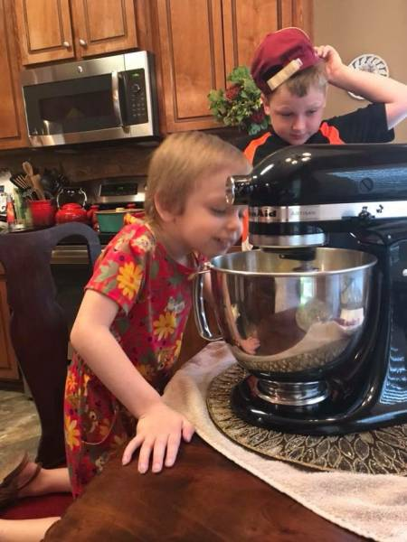 There's A New Cake Baker In Town And She's Only 5 Years Old