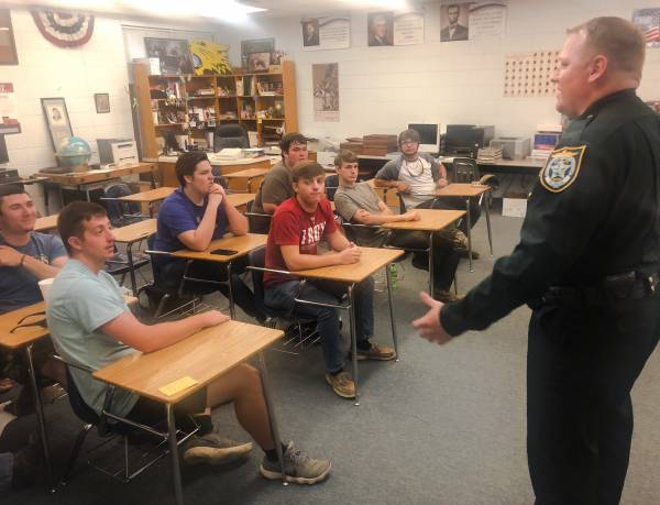 SHERIFF TATE SPEAKS WITH SENIORS ABOUT SAFE DRIVING PRACTICES