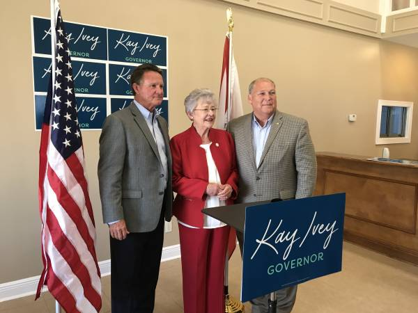 Govenor Ivey Stops Off in Dothan