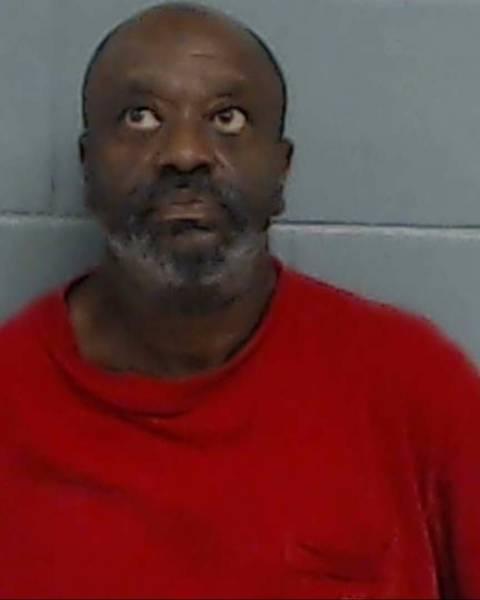 Chipley Man Behind Bars on Warrants
