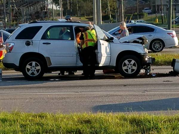 5:00 PM.. Motor Vehicle Accident at Hodgesville and the Circle