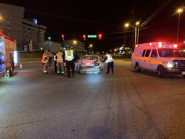 10:18 PM    Motor Vehicle Accident East Main and Ross Clark Circle