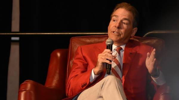 Saban's fireside chat with students yields sage wisdom